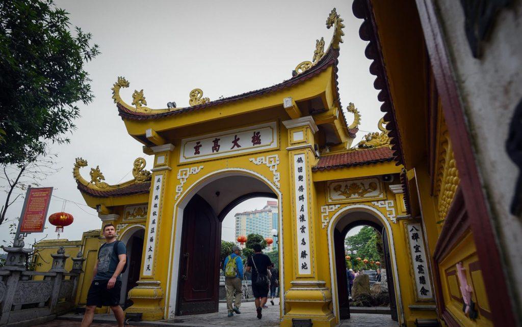 dong-goi-tri-thuc-phan-hoàng-thư-Chùa-Trấn-Quốc-lọt-top-kiên-trúc-phật-giáo-thế-giới-13