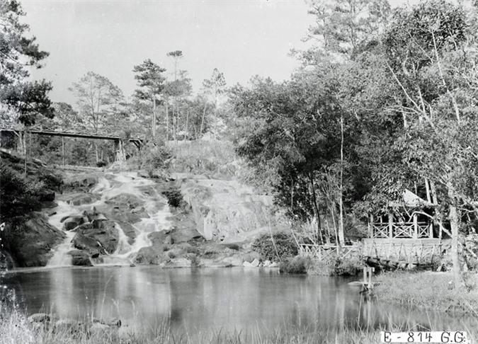 dong-goi-tri-thuc-phan-hoàng-thư-Da-Lat-thap-nien-1920