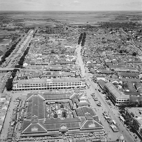dong-goi-tri-thuc-phan-hoàng-thư-Sài-Gòn-năm-1955