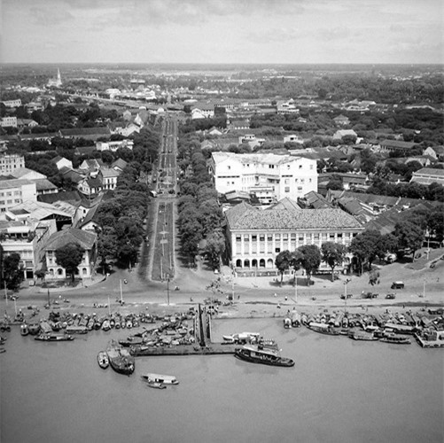 Đại lộ Hàm Nghi.