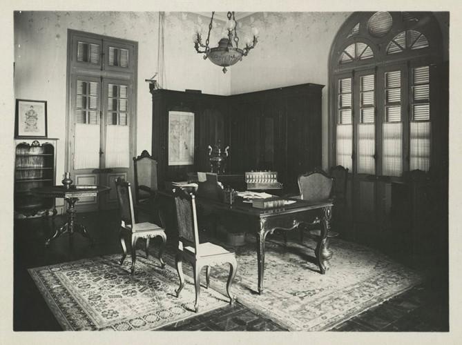 Phòng làm việc của quan Toàn quyền Đông Dương.