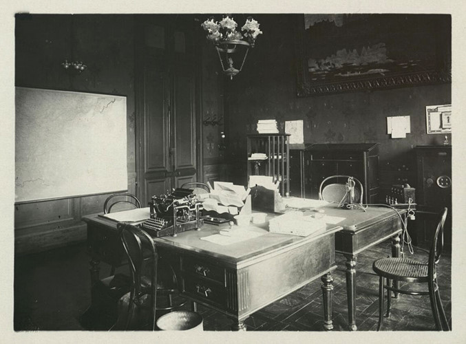 Phòng làm việc của thư ký riêng quan toàn quyền Đông Dương