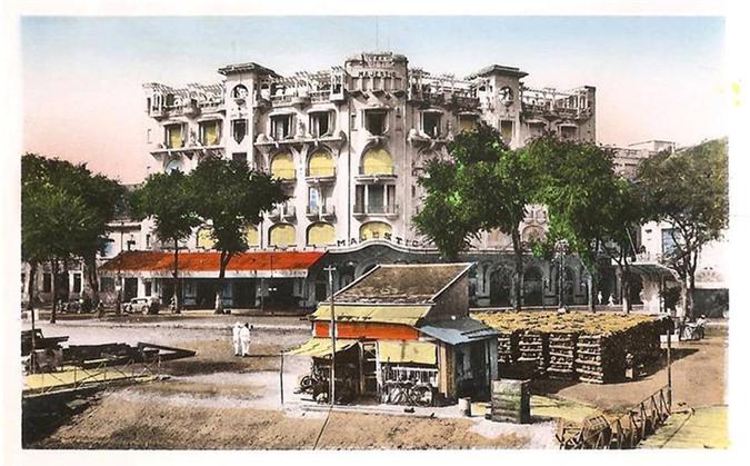 Sài-Gòn-Xưa-khách-sạn-Majectic-Khách-sạn-Majestic-trong-một-bưu-thiếp-tô-màu-dong-goi-tri-thuc-phan-hoàng-thư