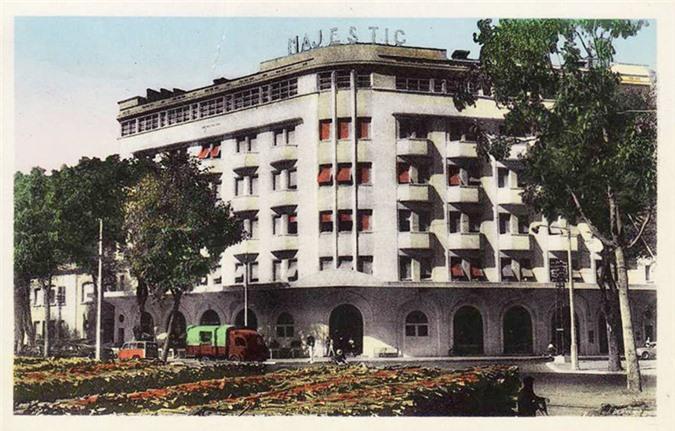 Sài-Gòn-Xưa-khách-sạn-Majectic-dong-goi-tri-thuc-phan-hoàng-thư