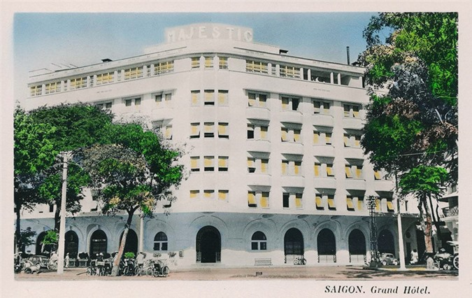 Sài-Gòn-Xưa-năm-2007-khách-sạn-Majestic-được-Tổng-cục-Du-lịch-công-nhận-đạt-chuẩn-5-sao-dong-goi-tri-thuc-phan-hoàng-thư