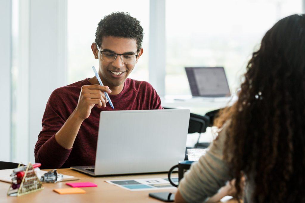 Sự chuyển hướng công việc từ nhân viên lên quản lý phan hoàng thư