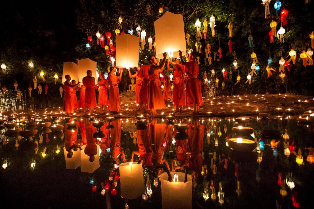 Lễ hội  đèn hoa đăng