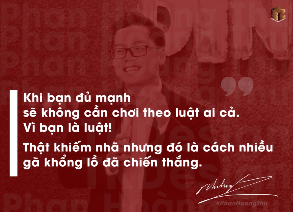 Anh phan Hoàng Thư cầm micro phát biểu