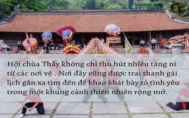 khung cảnh lễ hội chùa thầy